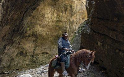 Passaggio per le Valli Cupe Valli Cupe è un'area protetta tra i Comuni di Sersale, Zagarise, Cerva (CZ)